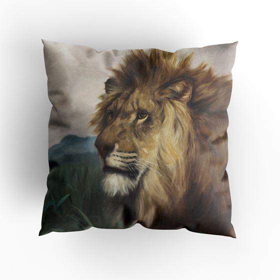 Harry Dixon 'A Lion' cushion