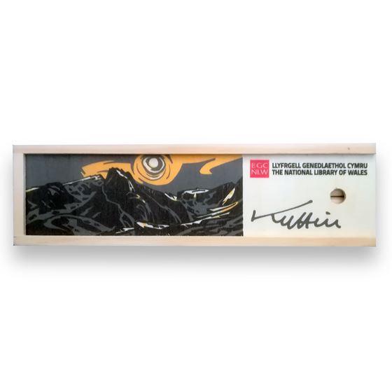 Kyffin Williams pencil crayon box – 12 pieces